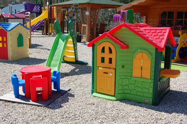 Casetta giardino chicco idee per il design della casa for Casetta giardino chicco