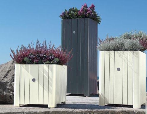 Casa moderna roma italy ad illuminazione for Lampioni giardino disano