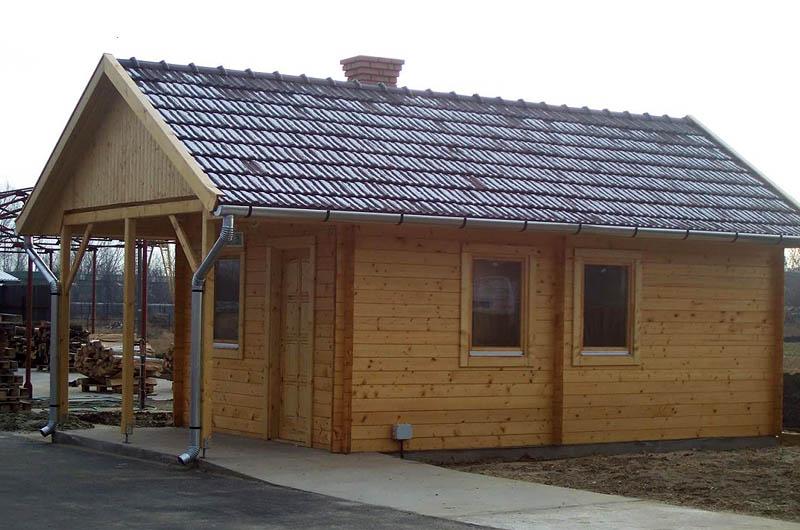 Bungalow arredi per esterni giardini manutenzione piscine for Piani di appartamento garage bungalow