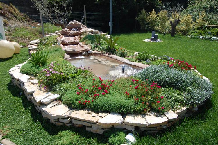 Vendita online laghetti ornamentali arredi per esterni for Laghetti da giardino in plastica